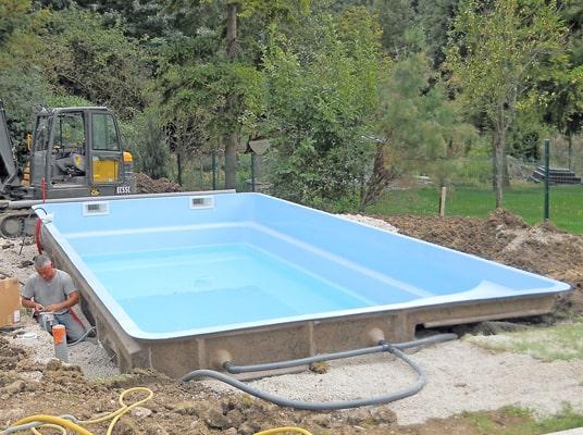 Accessoires (buses, skimmer) et remblais piscine mon de pra