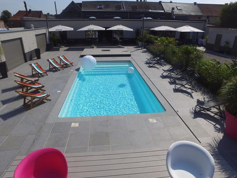 piscine coque wide blot distributeur et installateur de piscines mon de pra 28 45