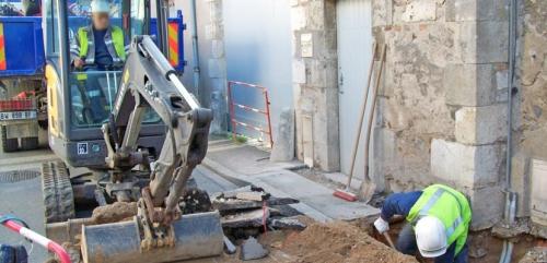 Entreprise travaux publics terrassement 28 techniciens pelleteuse