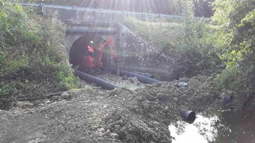 Entreprise travaux publics terrassement 28 berge rivière